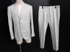 Lacoste(ラコステ)のメンズスーツ