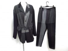 pour deux(プルドゥ)のレディースパンツスーツ