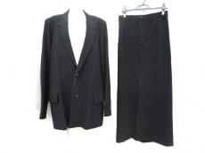 Y's(ワイズ)のスカートスーツ