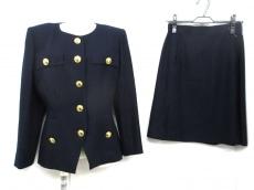 YvesSaintLaurent(イヴサンローラン)のスカートスーツ