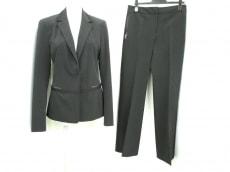 ELIE TAHARI(エリータハリ)のレディースパンツスーツ