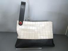 TOFF&LOADSTONE(トフアンドロードストーン)のクラッチバッグ