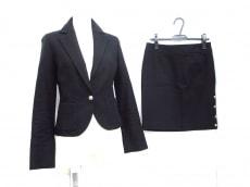 Le souk(ルスーク)のスカートスーツ