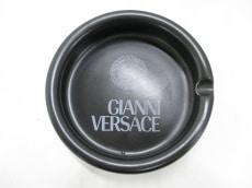 VERSACE(ヴェルサーチ)の小物