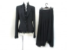 SPECCHIO(スペッチオ)のスカートスーツ