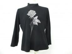 lapine blanche(ラピーヌブランシュ)のTシャツ