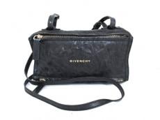 GIVENCHY(ジバンシー)のショルダーバッグ