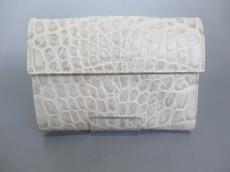 Puntotres(プントトレス)のWホック財布