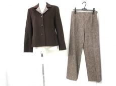 lapine blanche(ラピーヌブランシュ)のレディースパンツスーツ