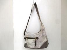 EVER KHAKI(エバーカーキ)のショルダーバッグ
