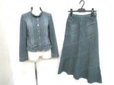 intellection(インテレクション)のスカートスーツ