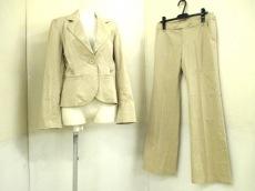 anyFAM(エニィファム)のレディースパンツスーツ