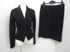 ALESSANDRO DELL'ACQUA(アレッサンドロデラクア)のスカートスーツ