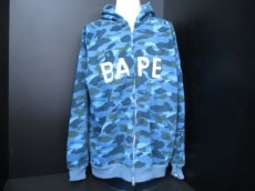 BAPE(ベイプ)のパーカー