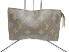 LOUIS VUITTON(ルイヴィトン)のポーチ