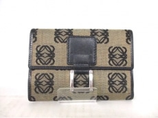 LOEWE(ロエベ)の3つ折り財布