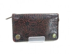 beauty:beast(ビューティービースト)の2つ折り財布