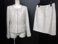 Cara(カーラ)のスカートスーツ