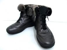 Strober(ストロバー)のブーツ