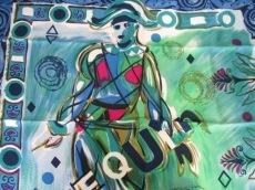 GIANNIVERSACE(ジャンニヴェルサーチ)のスカーフ
