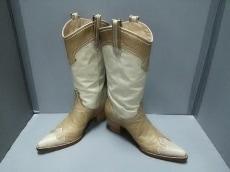 YOSHIE INABA(ヨシエイナバ)のブーツ
