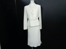 article(アーティクル)のワンピーススーツ