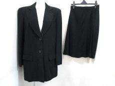 Luciano Soprani(ルチアーノソプラーニ)のスカートスーツ