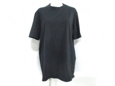 GIANNIVERSACE(ジャンニヴェルサーチ)のTシャツ