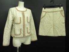 Tiara(ティアラ)のスカートスーツ