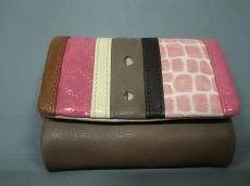 perche(ペルケ)の3つ折り財布