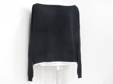universal utility(ユニバーサルユーティリティ)のセーター