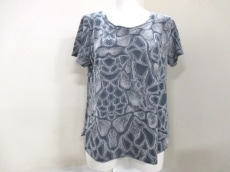 io comme io(イオコムイオ センソユニコ)のTシャツ