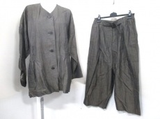 IsseyMiyakePermanente(イッセイミヤケパーマネント)のレディースパンツスーツ