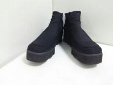 Angela(アンジェラ)のブーツ