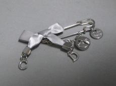 Dior Beauty(ディオールビューティー)のブローチ
