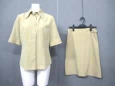 TRU TRUSSARDI(トゥルートラサルディ)のスカートセットアップ