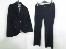 Burberry Blue Label(バーバリーブルーレーベル)のレディースパンツスーツ