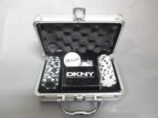DKNY(ダナキャラン)の小物