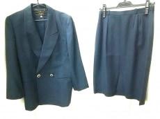 Leilian(レリアン)のスカートスーツ