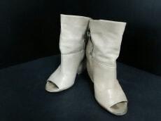 ELISANERO(エリザネロ)のブーツ