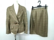 伊太利屋/GKITALIYA(イタリヤ)のスカートスーツ