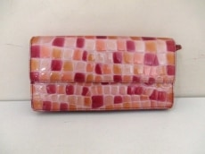 COCCO FIORE(コッコフィオーレ)の長財布