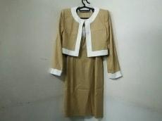 GIVENCHY(ジバンシー)のワンピーススーツ