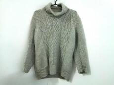 TROVE(トローヴ)のセーター