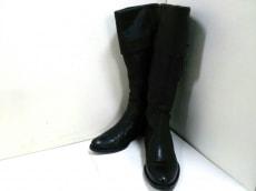 Max Mara(マックスマーラ)のブーツ
