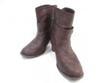 LOSICARIE(ロシカリエ)のブーツ