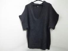 wb(ダブリュービー)のセーター