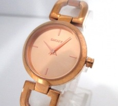 DKNY(ダナキャラン)の腕時計