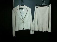 7-IDconcept(セブンアイディーコンセプト)のスカートスーツ