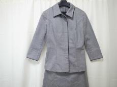 ru(アールユー)のワンピーススーツ
